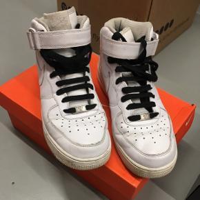 Sælger Mine Nike air force 1 som jeg aldrig bruger, Fejler intet og kommer med kasse