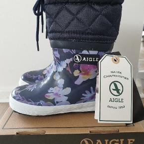 Giboulee print  dark flower Vinter gummistøvler str 23 Virkelig lækre og lette støvler (både vægt og meget bøjelige)