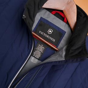 Victorinox Vest