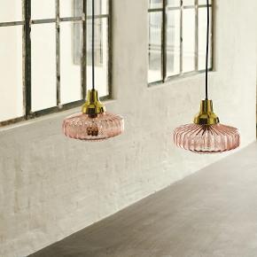 Design By Us loftslampe