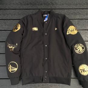 New Era jakke