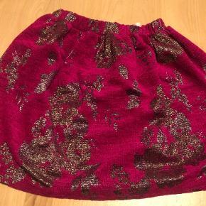 Varetype: Nederdel Størrelse: 10år Farve: Pink