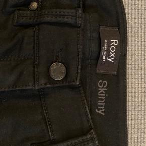 Smalle, lige op og ned, bukser (tynde jeans) fra Gerry Weber i str. 36 regulær benlængde. Brugt få gange. Nypris: 799kr