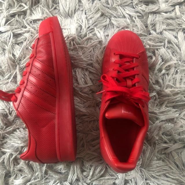 adidas superstar rød trainers