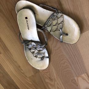 Blend sandaler