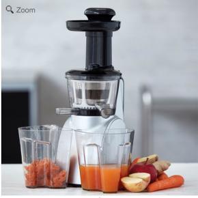 FUNKTION SLOWJUICER DC MOTOR 150 WATT Få det meste ud af dine frugter og grøntsager. Med 75 omdrejninger i minuttet sikrer Funktions Slowjuicer med DC motor, at dine frugter og grøntsager bliver udnyttet til fulde og at du hverken går glip af vigtige vitaminer og mineraler eller smag. Saften presses langsomt ud af frugt og grøntsager for, at vitaminer og mineraler bevares. Den høje udnyttelsesprocent gør, at du får det maksimale ud af dine frugter og grøntsager. Maksimum vitaminer. Maksimum smag. Med Funktions Slowjuicer kan du nyde din juice, når du vil. Juicerens skånsomme udtrækningsproces gør, at juicen ikke skiller, når du opbevarer den i køleskabet.  Der medfølger beholdere til den færdige juice og til restaffald samt en lille børste til at gøre rengøringen nem. Alle aftagelige dele tåler opvaskemaskine, hvilket gør det hurtigt og nemt for dig at gøre juiceren ren og klar til næste brug. Samtidigt får du mere tid til at nyde en hjemmelavet juice, som er rig på både vitaminer og smag.   Vigtige næringsstoffer bevares Undgår at juicen skiller Udnytter ingredienserne til fulde Maksimum vitaminer, maksimum smag  Ny pris 1700,-