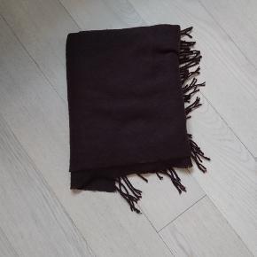 Stort aflangt blødt halstørklæde