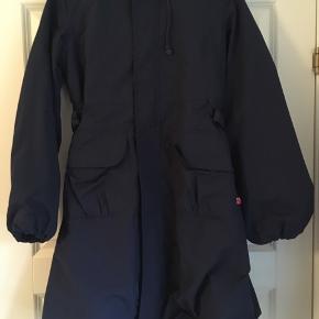 Rigtig fin jakke fra Danefæ. Jakken går ud forneden, så den får lidt fylde. Aldrig brugt.