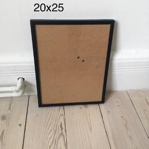 Ramme i sort metal.  20x25 cm