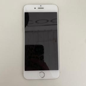 iPhone 6  God til børns første mobil til at ringe eller spil  Np - kan ikke huske  Mp 250 kroner  Køber betaler selv fragt