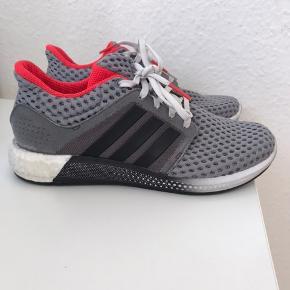 Adidas Energy boost - brugt meget lidt indenfor.   Str 38 2/3
