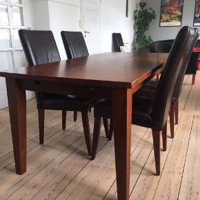 Spisebord 180cm x 90cm og 6 stole + 2 tillægsplader á 50 cm