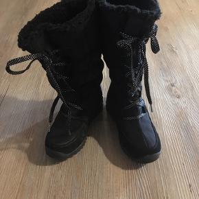 Super flotte vinterstøvler... fremstår næsten som nye.