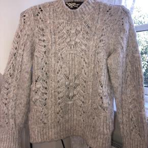 Blød overtræk sweater med mønster  Ingen fejl