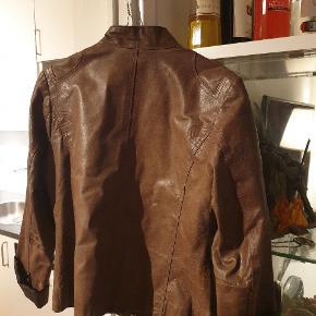 Fed læderjakke fra Lipo Lipo i str. S  Pris kan forhandles #30dayssellout