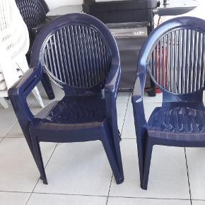Tables 145x85cm et 4 chaises offertes avec la table