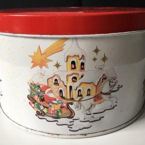 Retro juledåse, 22 cm i diameter, 12 cm i højden  Afhentes i Åbyhøj
