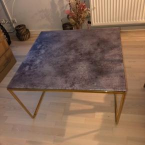 Sofabord 75x75 købt hos Ellos i Maj