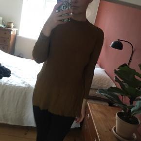 Strikket bluse fra Zara med slidser i siden