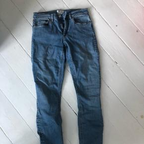 Acne skin 5 jeans i str 27/34.