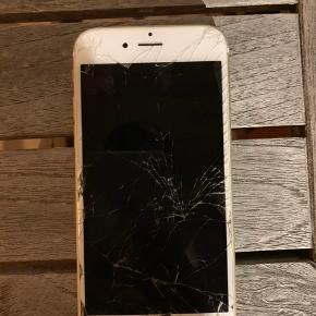 Iphone 6s. Skærmen er gået i stykker, men virker som den skal