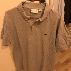 Lacoste polo. Rigtig fin stand. Naturligvis ægte. Str M.