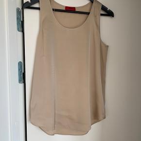 Silke top med lidt stræk i Bm 2x45