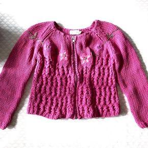 Aya Naya flot pink strikcardigan  med lynlås str 6 år. 100 % bomuld.