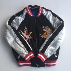 Mega cool 2-i-1 jakke fra TopShop Den kan vendes om Brugt få gange