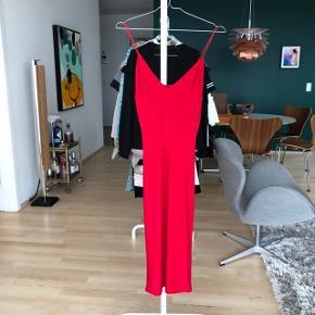 Smuk rød kjole ❤️