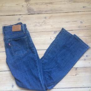 Levis jeans, slim model med lidt stretch, w25 L 30. Aldrig brugt