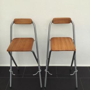 2 barstole sælges samlet. Kom med et bud.