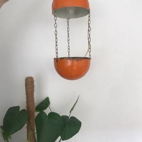 Lampe Urtepotte. Købt for 200kr, sælges for 150kr.