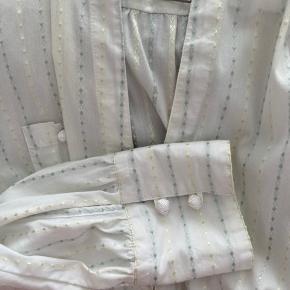 Smuk skjorte, passes af s-m