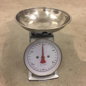 Gammeldags / retro vægt / køkkenvægt