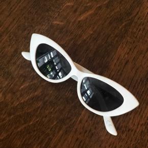 Super smarte solbriller, nærmest ikke brugt