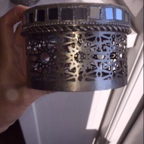 3 metalæsker / dåser / smykkeskrin fra Lisbeth Dahl  Sælges samlet for 140kr plus porto