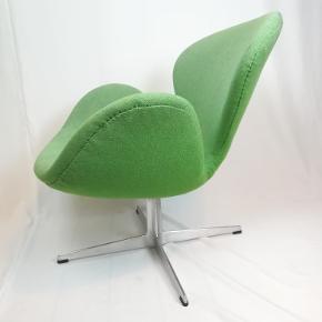Smuk Arne Jacobsen svanen. Med sjælden profiledred fod. Gammel model. Kan blive din for kun 12.000 kr.