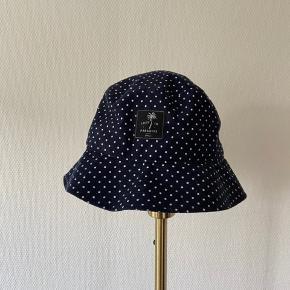 Sælger denne fine bøllehat. Den er købt i en butik i Ubut, Bali i 2019. Den er aldrig brugt