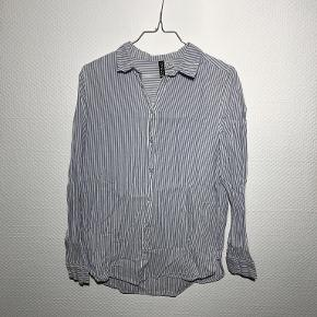 Divided bluse