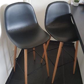 Flotte barstole fra jysk, helt som nye.  Nypris 800,- for 2 stk, sælges for 549,- samlet