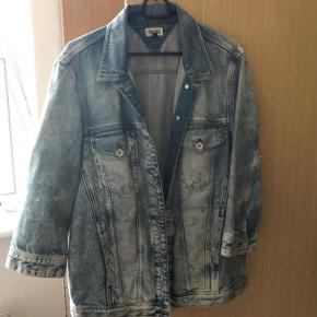 Tommy Hilfiger Denim jakke  Str: L Np: 1300 kr Mp: 400 kr  Fejler ingenting