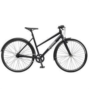 Mustang cykel fra januar 2019  Har 7 gear. Stelstørrelse i cm: 51 Hjulstrørrelse i tommer: 28 Stel: Aluminium  Maks brugt ca. 10 gange på korte ture.  Fejler intet, men kan ikke finde ud af om den er flad eller hvad og har ikke kvittering. Så derfor den lave pris.  Der sidder godkendt lås på, 1 nøgle medfølger.  Nypris: 3.799,- + 159,- = 3.958,- Din pris: 2500,- afhentet i Nørresundby inden 15. september eller i Nørager efter 15. september