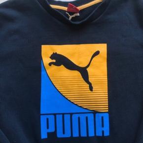 Sælger min Puma sweatshirt i sort💫 Den er kun brugt et par gange 🌸