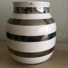 Kähler Omaggio vase i sølv mellem