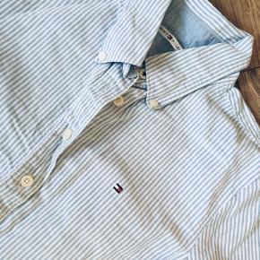 Smuk stribet skjorte