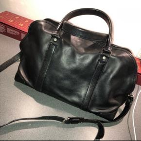 Lækker rummelig shopper/lille weekend taske fra Proenza Schouler, næsten ikke brugt, ingen skræmmer eller lignende.