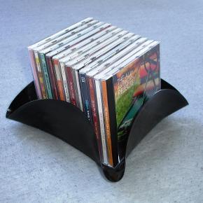 """Brand: LP Varetype: holder til cd'er - retro Størrelse: - Farve: -  LP cd holder / skål Alle er forskellige i form og """"band"""".  1 stk. 45kr pp. 2 stk. 80kr. pp  Portoen er bare et gæt ;)    * * * Se også mine andre annoncer * * *"""