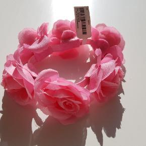 Elastik med lyserøde blomster