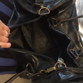 Stor Dunlop taske - aldrig brugt! Kan ikke huske nyprisen, prisen kan forhandles.